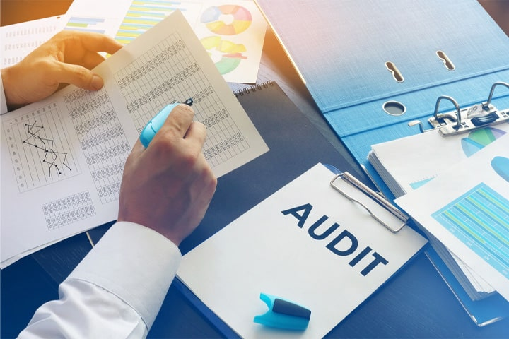 Auditing Services in Dubai min